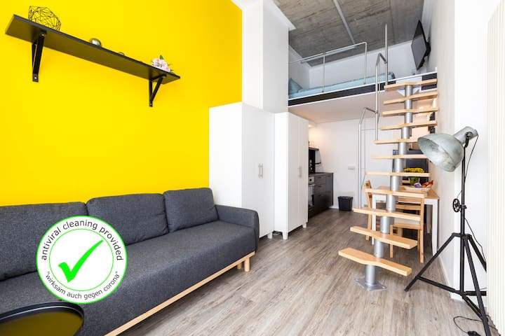 Checkpoint Charlie industrial style with loft bed