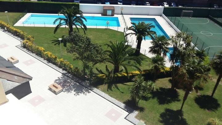 Habitación  y baño privado con piscina