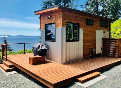 Oceanfront Tiny Home - Jordan River