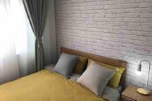 全实木品牌床配上优质床上用品,再试试裸睡,让您充分感受睡觉的快意!