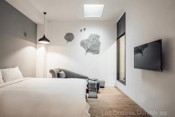 近安平,Les Ombres(302雙人浴缸)適合喜愛美食、美酒的你,來台南旅行吧。可包棟