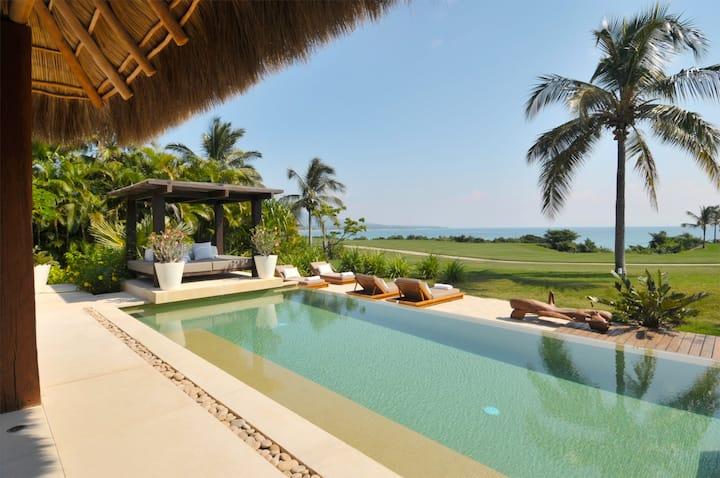 SPECTACULAR 5* Luxury OCEANFRONT Villa,7* staff