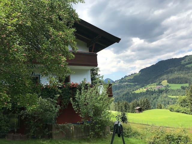 Schönes Ferienappartement in den Bergen