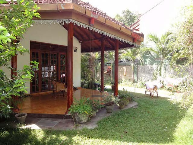Lidwins Inn - 15 minutes to Airport - Negombo - House