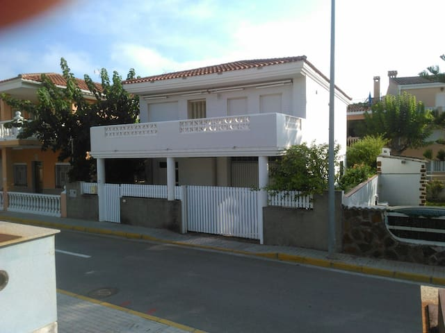 Family house only 150 m from the beach - Xilxes - Haus