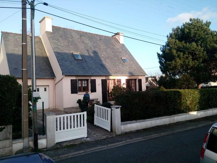 Maison familiale  11 personnes + Jardin clos 700M²
