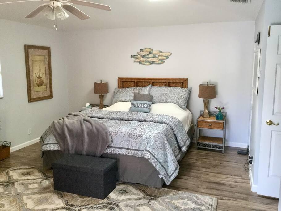 California king size Tempurpedic mattress