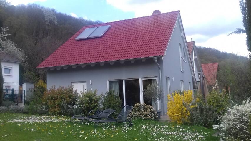 Casa Giuliana mit Garten und Terrasse