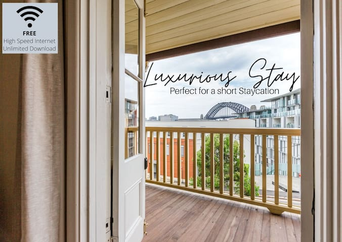 Charming 2 BR w/ Spectacular Harbour Bridge Views