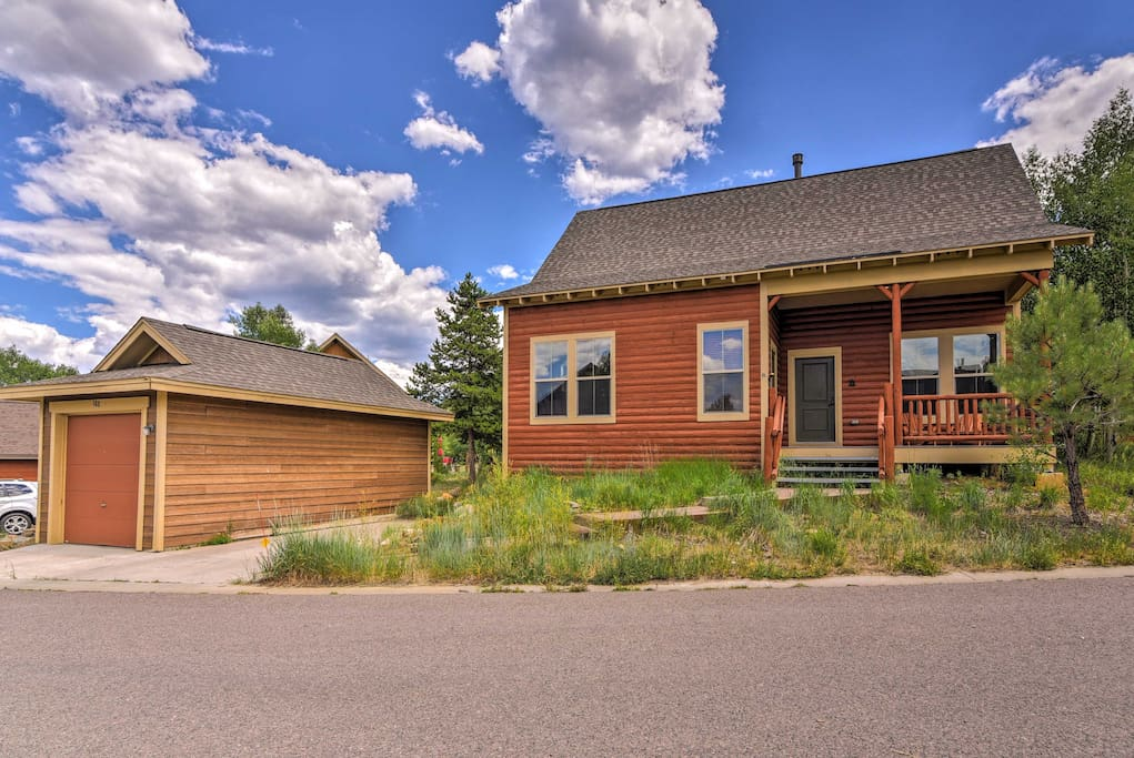 This vacation rental house is ideally located in Granby, Colorado!