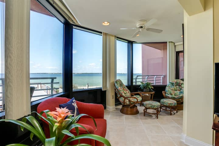Gone Coastal Sound-Side Beach Condo