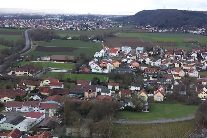 Donaustauf: Platz für viele am Burgberg (2 Whg.)