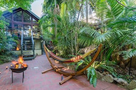 Lush Garden and River Cabin - Dulwich Hill - 小木屋