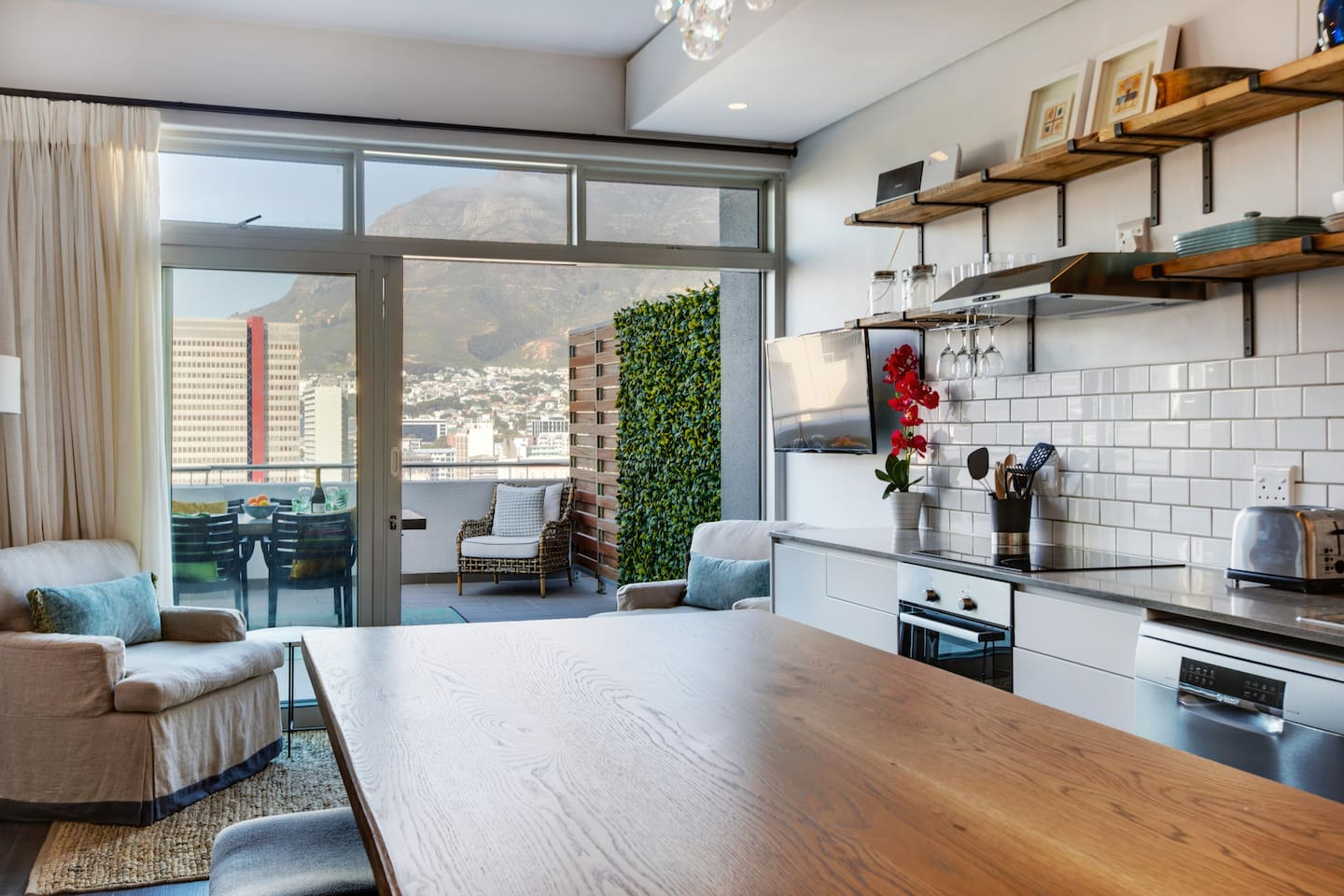 Open Plan Living with 33 sqm Big Balcony