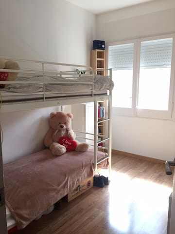 Habitación cómoda Badalona