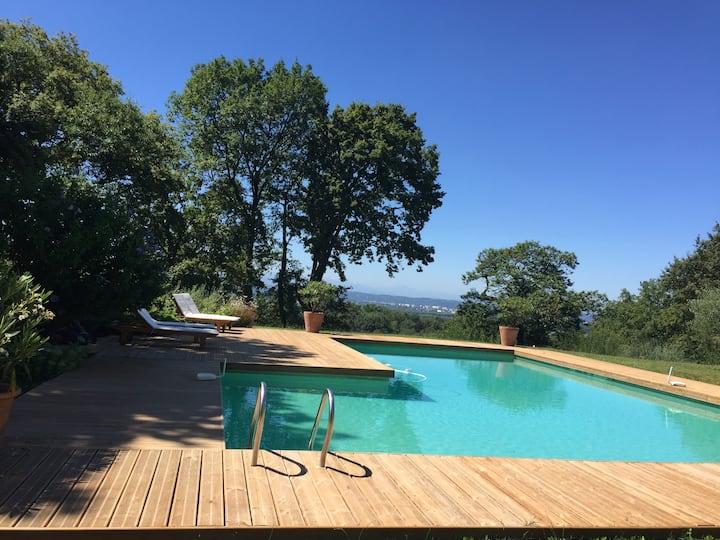 Villa 400 m² avec Jardin de 6000 m² et Piscine