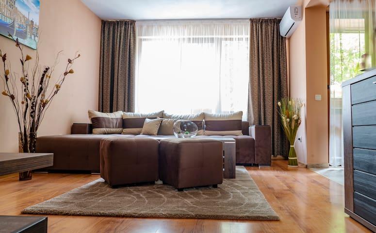 Karadimovi's apartment