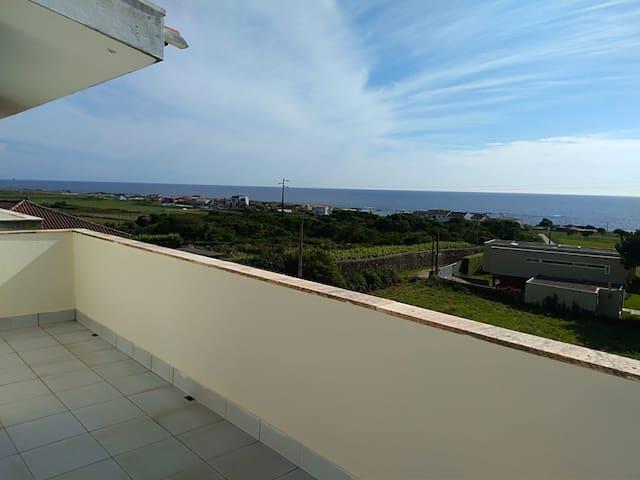 Apartamento T2 Con Espectacular Vista al Mar