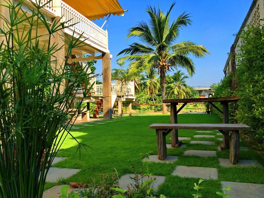 Sitting area, Garden