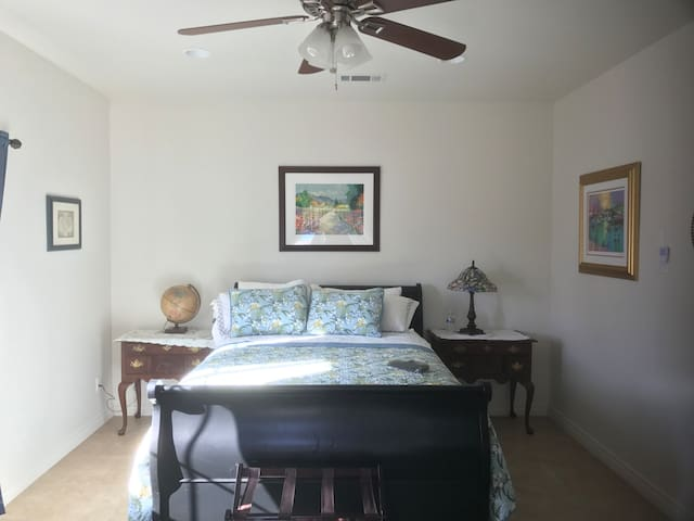 Master suite with queen bed