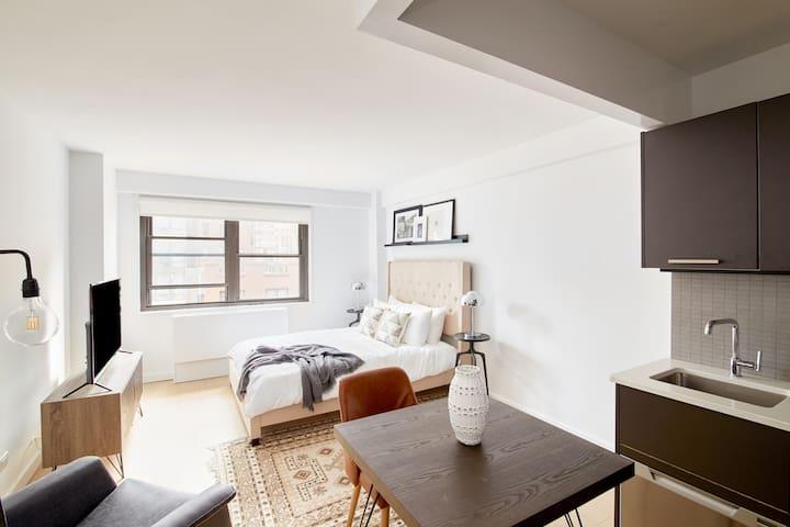 Sonder | The Nash | Polished Studio + Rooftop