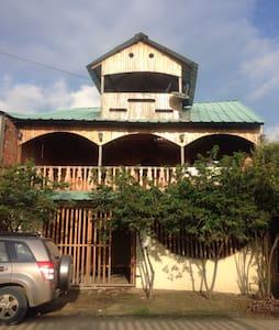 Espectacular Pent House en la playa - Manta - Faház