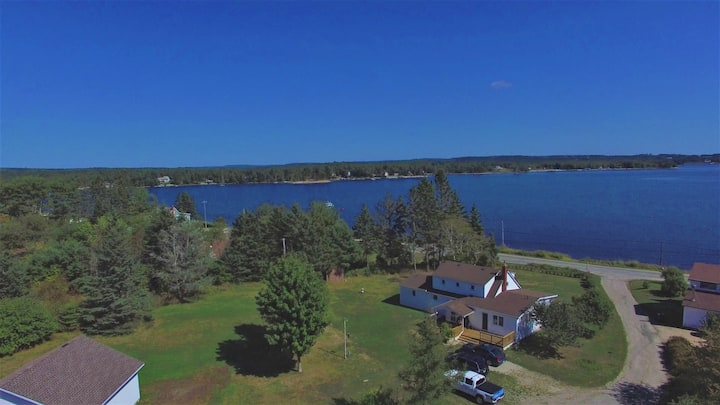 8 Delbert -Beachside Home 10  minutes from Chester