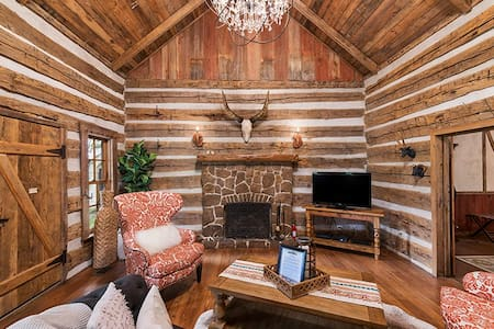 Buckhorn Cabin | Private Hot Tub | Fireplace | In Town