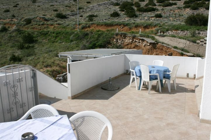One bedroom apartment with terrace and sea view Bošana, Pag (A-6460-b)