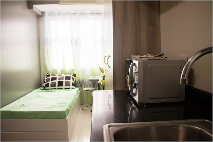Comfy and Cozy Studio Unit in Malate Manila