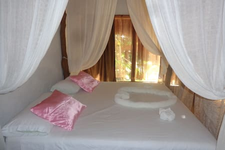 Romantic Cavaña in the Jungle - Tulum - Bed & Breakfast
