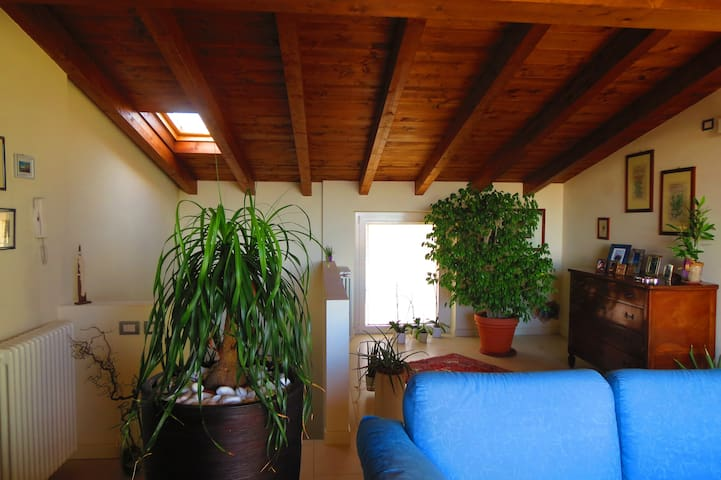 Attic with amazing view over the lake and castle - Desenzano del Garda