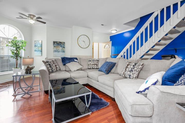Spacious 2-bedroom in the heart of Virginia Beach