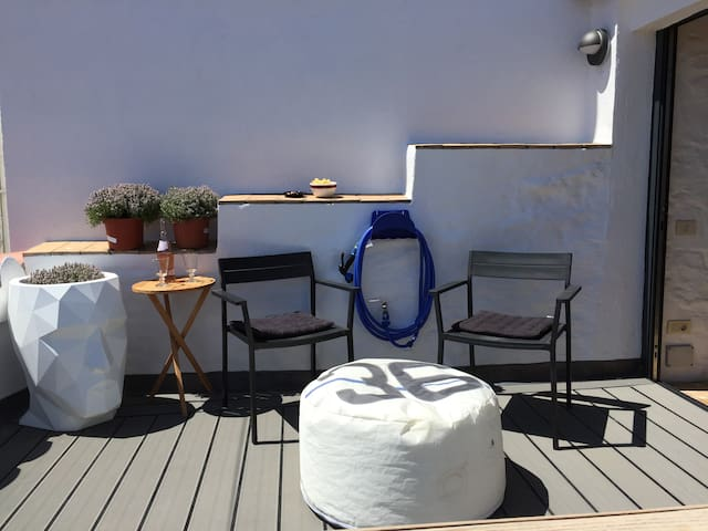 Newly remodelled sun deck
