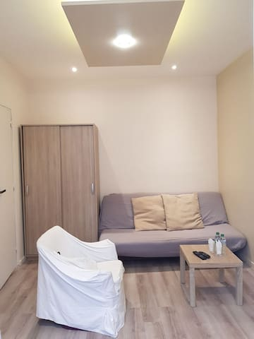 Cozy Apartment Asnieres sur Seine