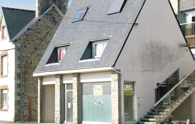 Holiday apartment with 1 bedroom on 35 m² in Lézardrieux