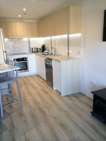 Mainsail Holiday Apartments -First floor - Unit 5 - Kings Beach - Apartment