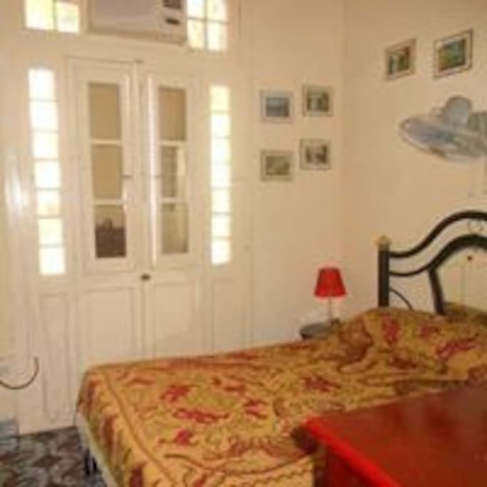 Habitación con balcón  Centro Habana