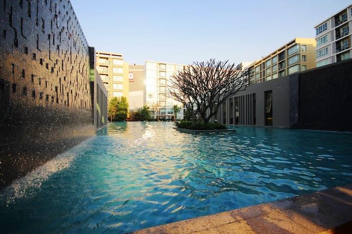 Queen Studio 清迈豪华公寓 紧邻尚泰百货 景色无敌 SOFA BED