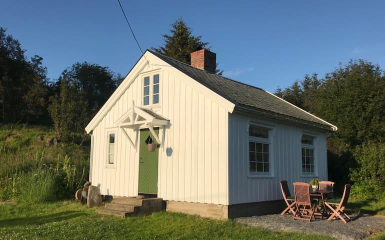 Countryside Cottage -Hole, Straumsjøen