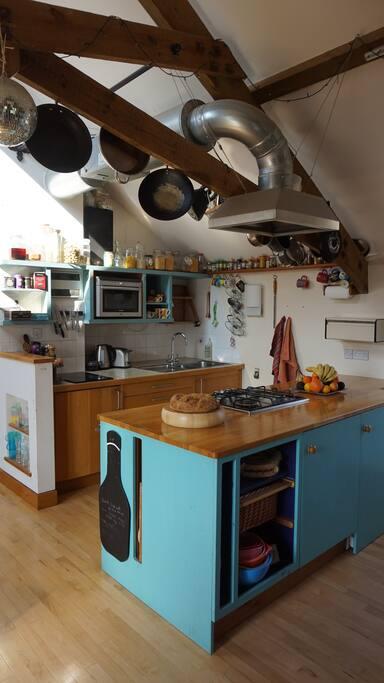 Main room - kitchen
