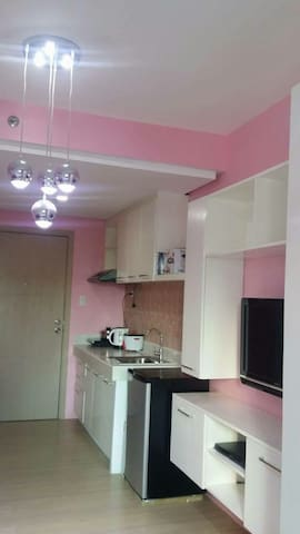 Pretty in pink studio unit