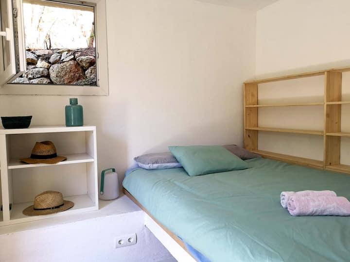 Small doble bedroom + Garden terrace