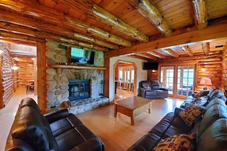 Rustic Lake George Mega-Lodge w/ Luxury Ammenities