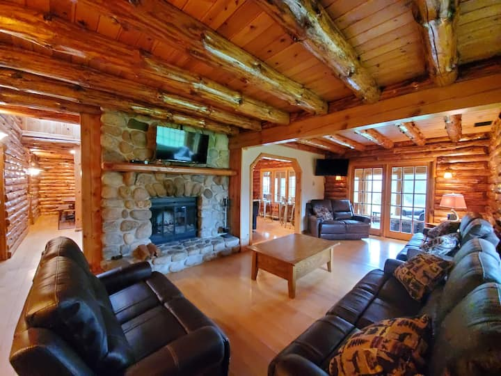 Rustic Lake George Mega-Lodge w/ Luxury Ammenities