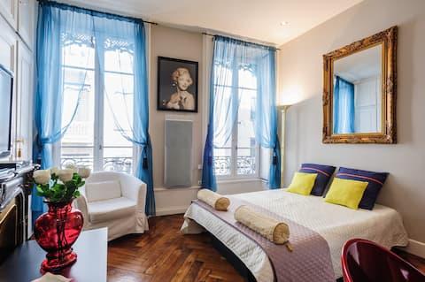 Super appartement très bien situé proche de bellecour. Idéal pour un séjour entre amoureux. Immeuble de standing appartement luxurieux, lumineux et propre. Absolument à recommander.