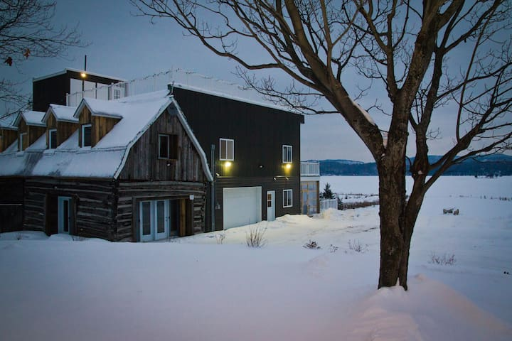 Chalet Domaine Decelles Lodge ( group rental) - Lac-Sainte-Marie - Alpstuga