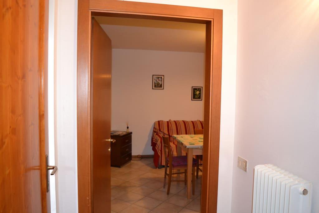 portone ingresso e porta cucina