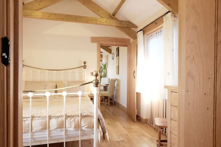 Wennas Well - Rural romantic barn conversion just for two