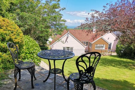 Families Welcome!⭐ Home from Home⭐Sea Views⭐Garden